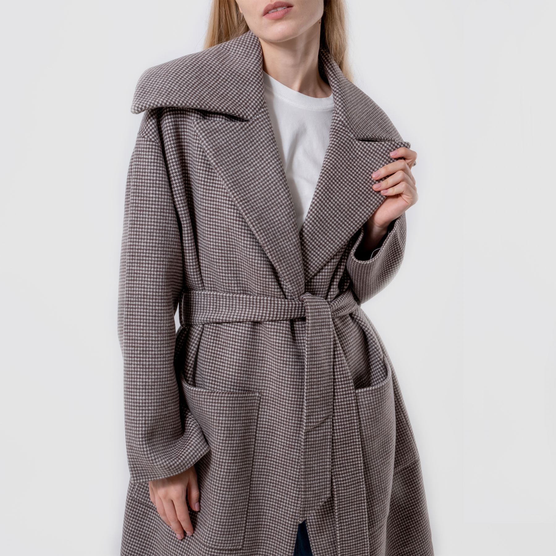 Пальто Nanushka коричневое