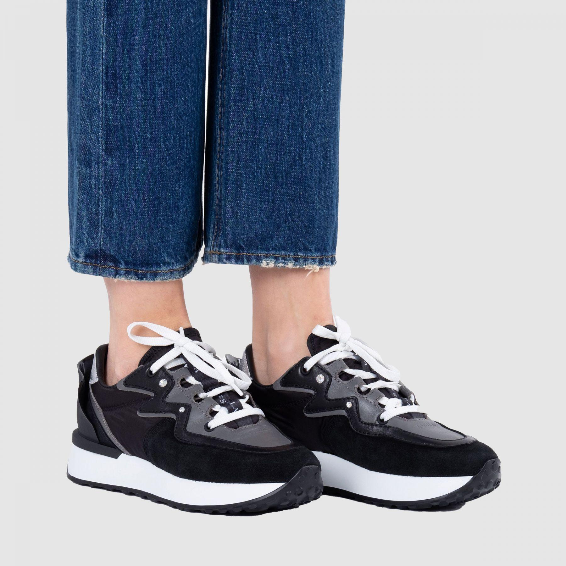 Кроссовки Le Silla черно-белые