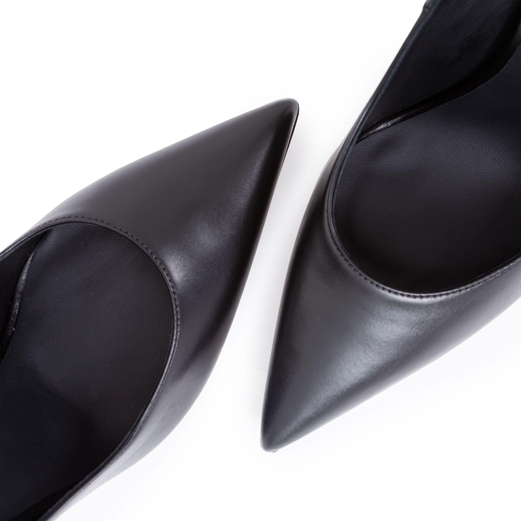 Лодочки Le Silla Eva черные