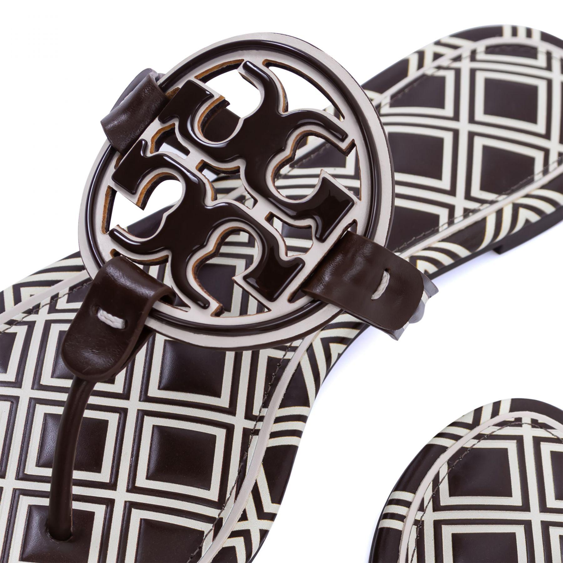 Шлепанцы Tory Burch Miller Metal-Logo темно-коричневые