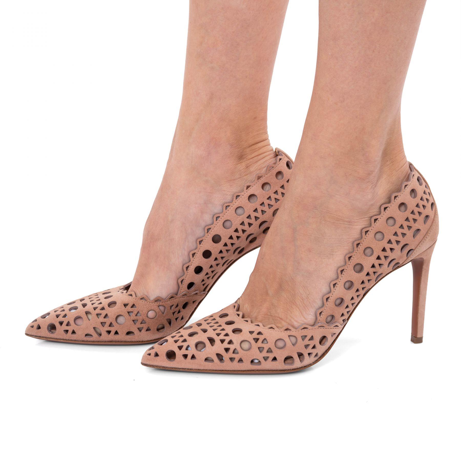 Туфли Alaia пудровые