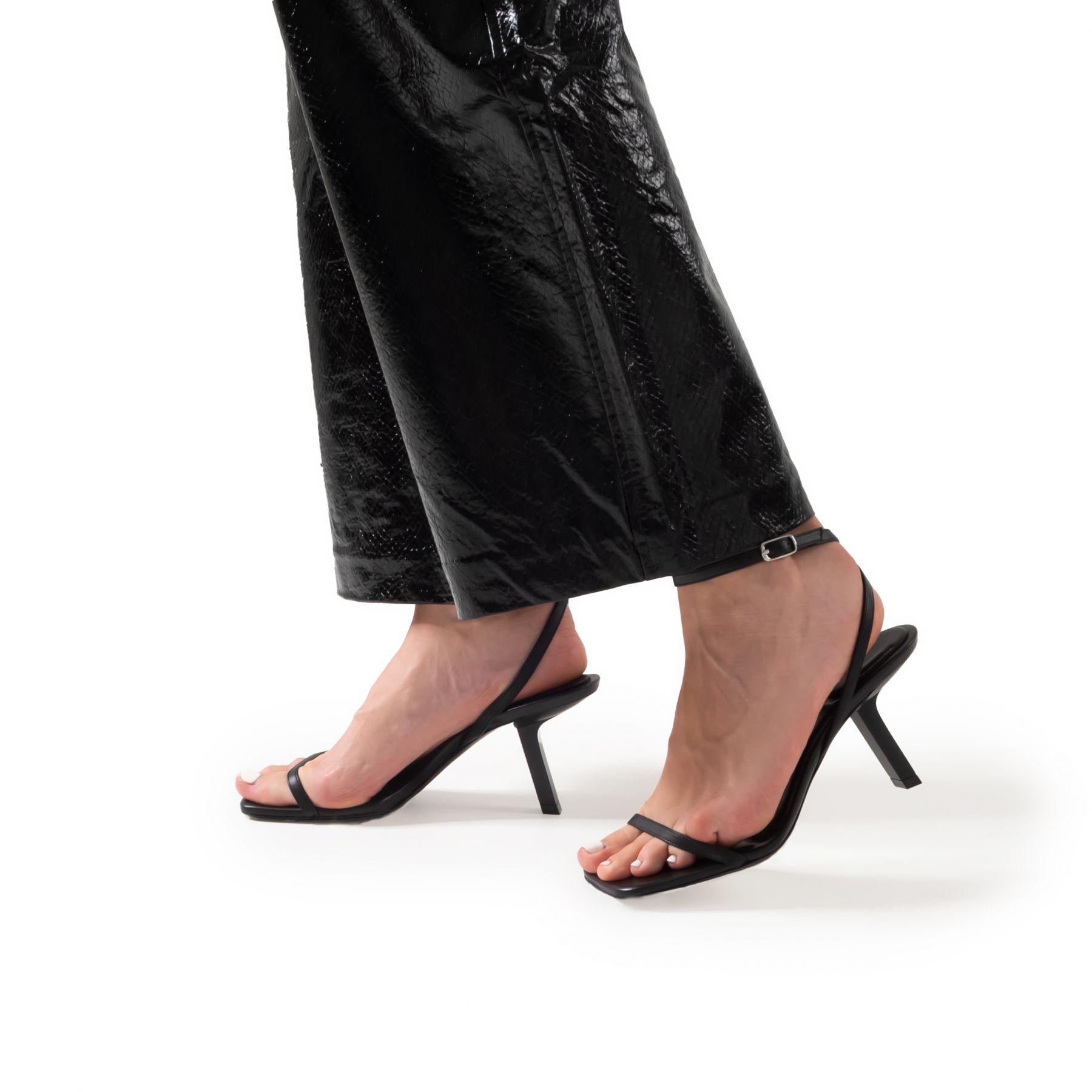 Босоножки Balenciaga черные