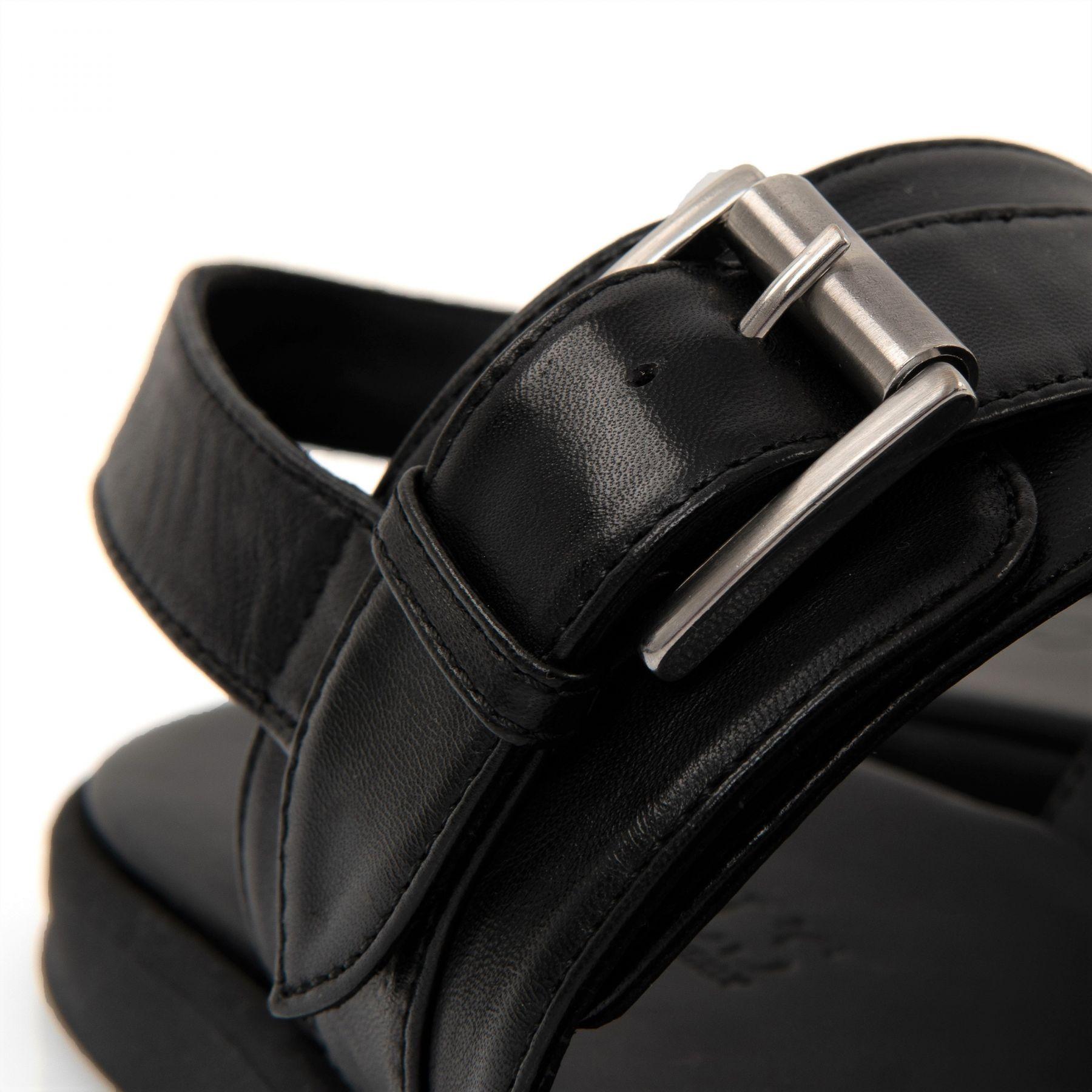 Сандалии Doucal's черные