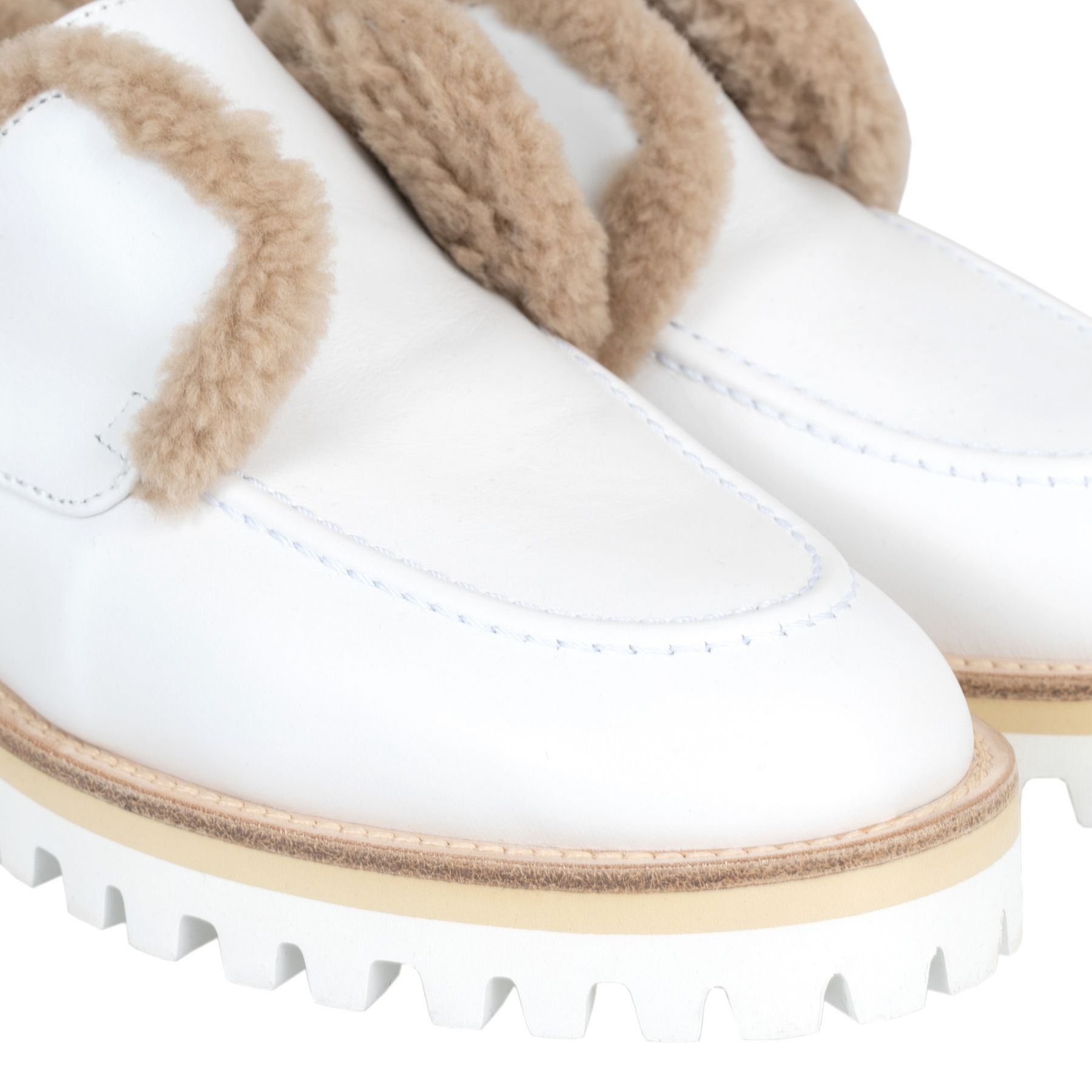 Лоферы на меху Le Silla белые